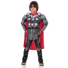Imagem de menino com fantasia infantil do Thor para se divertir