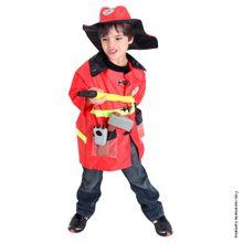 Foto de menino com fantasia infantil de bombeiro para menino