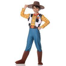 Imagem de menino com fantasia Woody infantil de Toy Story