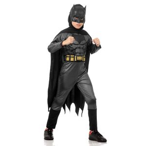 Foto de garoto com fantasia infantil do Batman na AbraKadabra